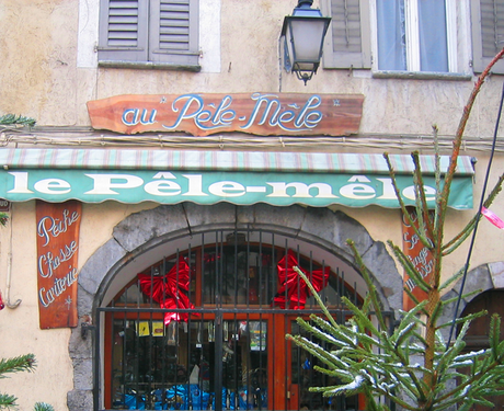Pêle mêle ( = confused, rushed, disorderly) shop in French Alps (c) Kristin Espinasse